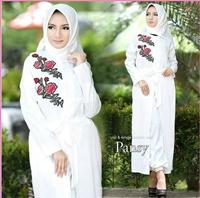 Busana Muslim Modern Bahan Balotelli Pansy White