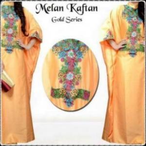 Busana Muslim Modern Dengan Model Kaftan Melan