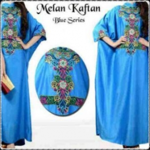Busana Muslim Modern dengan Model Kaftan Melan-g