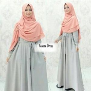 Gamis Muslimah Cantik Yumna Syar'i warna Silver Bahan Baloteli