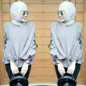 Supplier Baju Atasan Wanita MuslimTerkini Nada Blouse Warna Abu Bahan Wollycrepe