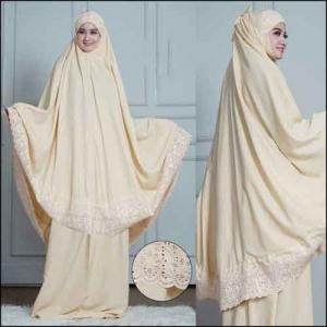 Mukena Polos Dengan Bordir Cantik Syafina Warna Cream Bahan Rosela