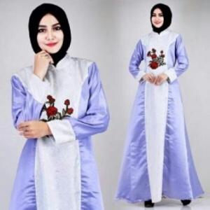 Busana Muslim Modern Keisha Warna Silver Dengan Bahan Jacquard