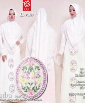 Baju Gamis Terbaru Dan Elegan Nadra Syar'i warna Putih bahan baloteli