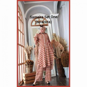 Setelan Muslimah Terbaru 2021 Anggun Samaira Set one motif terakota Bahan Shakila